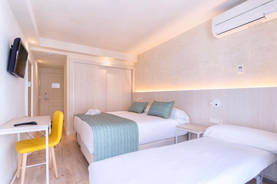 Habitación doble 2 Adultos 1 niño Hotel Palmasol
