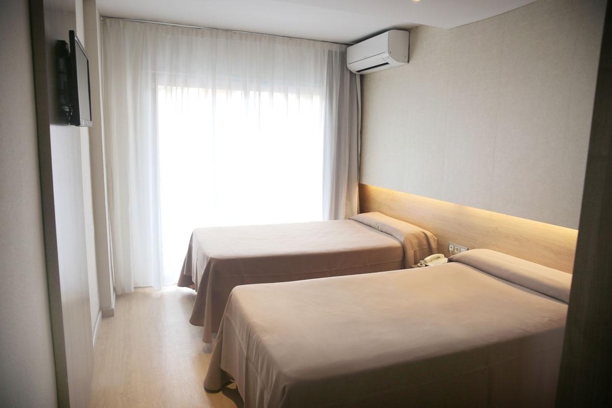 Habitación doble triple Hotel Eurosalou